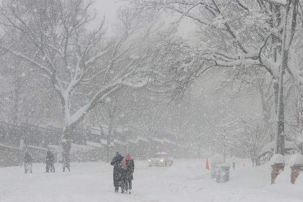 Snowstorm in Washington DC. Photo courtesy of Al Jazeera English on Wikimedia Commons